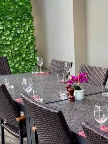 Outdoor Dinning - Wine House Restaurant